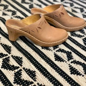 Frye Camel Leather Wooden Clogs